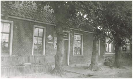 Roderwolde, Voorste weg: De oude bakkerij van Sunderman in 1929.