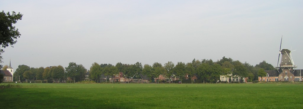 Roderwolde Jacobskerk en molen Woldzigt